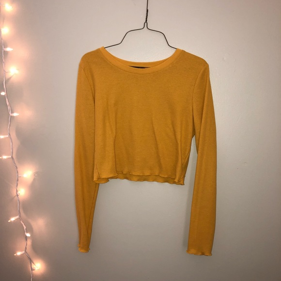 levelup Tops - yellow long sleeve crop top